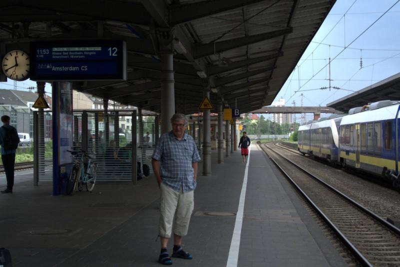 Osnabrück wachten op de trein naar Ansterdam
